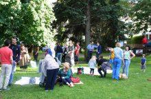 Pasaulinės Pabėgėlių dienos proga – piknikas Kauno Prezidentūros kiemelyje