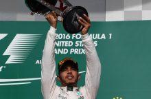 """""""Formulės-1"""" lenktynėse JAV triumfavo britas L. Hamiltonas"""