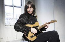 M. Sternas – gitaros virtuozas, galintis groti abiem sulaužytom rankom